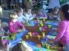 Dzieci z gr. II podczas zajęć plastycznych