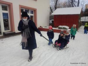 Zabawy na śniegu gr. V