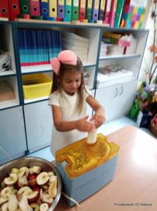Sporzadzanie soków z owoców w gr. II