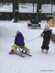Zabawy integracyjne w przedszkolnym ogrodzie